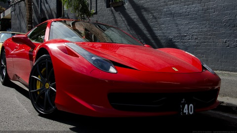 VIC 40, Ferrari rouge